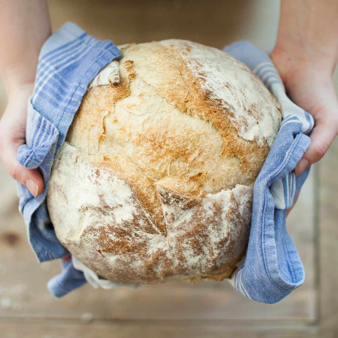 The aim of this article is to debunk some of these myths that 'bread is bad' and instead explore types of bread that can be considered healthy, as well as creative meal options you can try out that can add to a healthy lifestyle. Personally, I enjoy bread in many forms, and the more seeds, herbs or oats that can be seen, the better! So I'm excited to explore this topic together with you. #bread #health #wellness